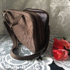 Vera Bradley Bags - ✨Vera Bradley✨Multi-sectional Floral Makeup Bag